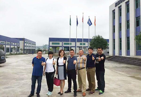 北京客户参观生产基地