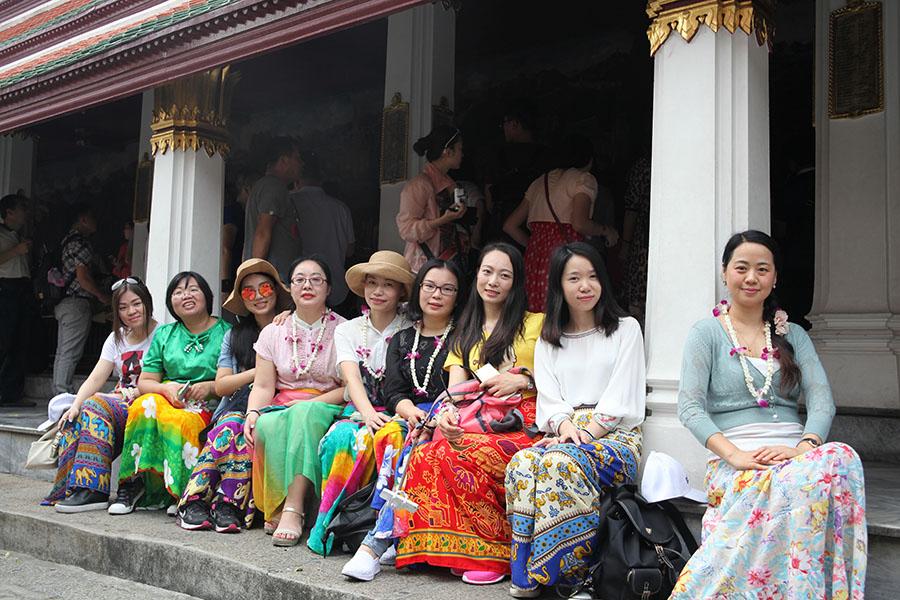 2015万博下载泰国游景区合影